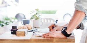 signing the travel nurse contract